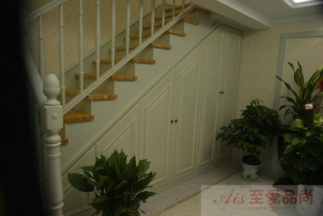 楼梯下面鞋柜样板