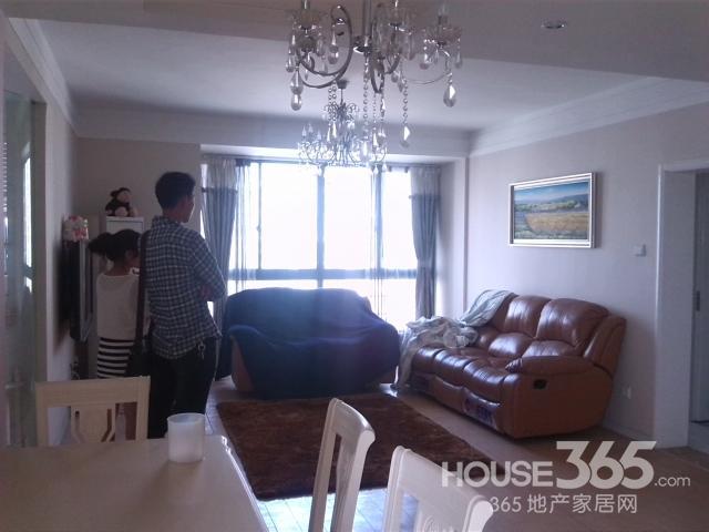 【恒大华府精装修婚房两室两厅全南户型框架结构958