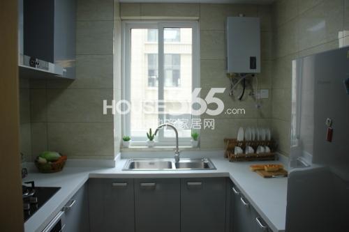 星榈湾C户型2室2厅2卫1厨92平样板间厨房