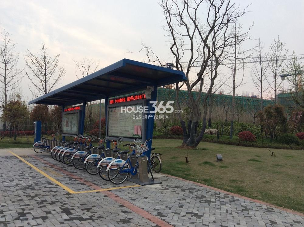 东方万汇城公共自行车实景图(4.8)