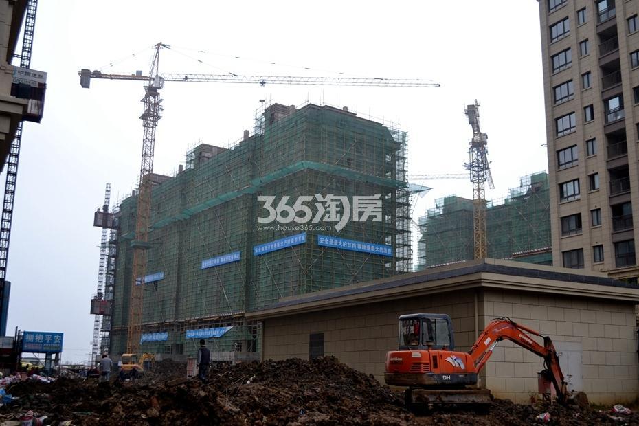 新华联梦想城工程进度(2016年11月摄)