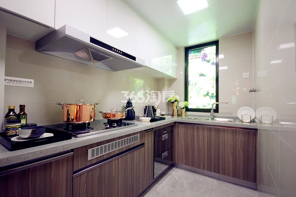 雅居乐国际花园二期128方样板房——厨房