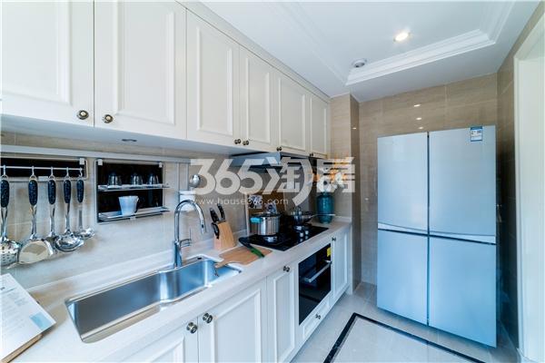 云锦叠墅D5-1户型138平样板间厨房