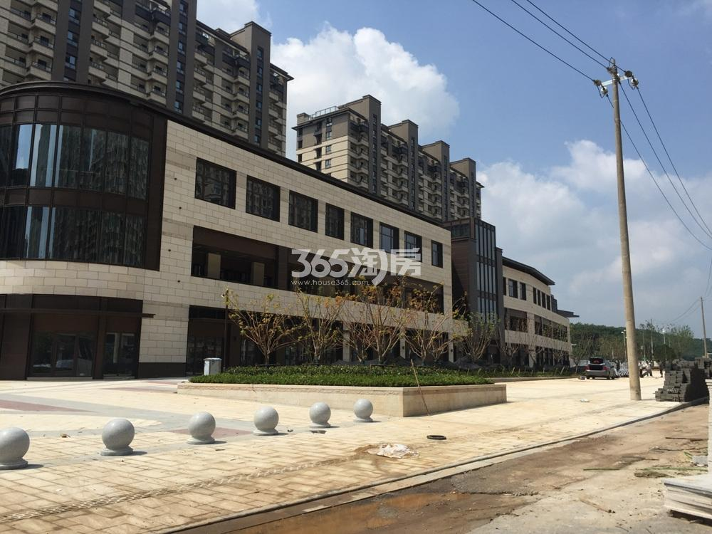 高科荣境的商业街实景图(8.28)