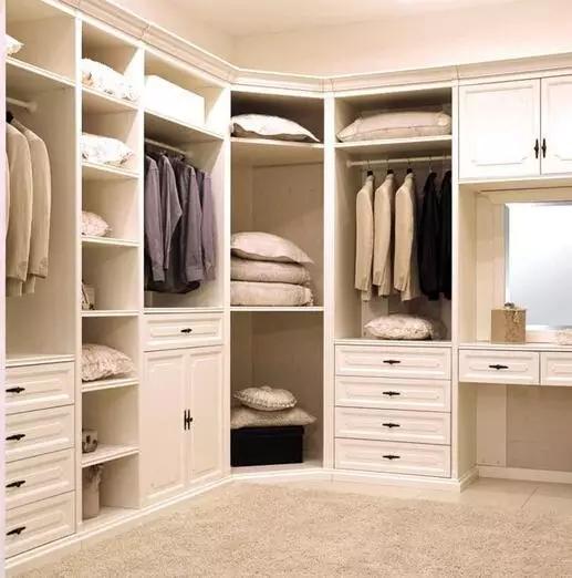 > 打造个性卧室——定制衣柜才是王道